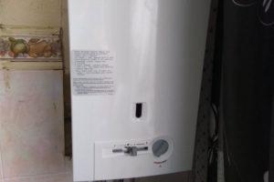 монтаж газовой колонки BOSCH - обновление оборудования,по причине поломки блока розжига